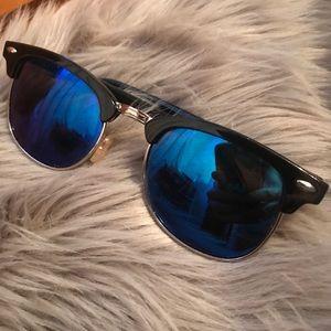 Blue reflective Sunglasses